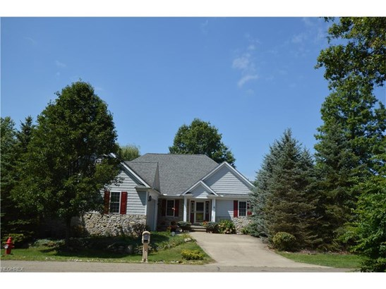 7168 Holzhauer Rd, Sagamore Hills, OH - USA (photo 2)