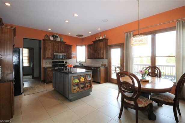 1267 Hunt Club Dr, Wooster, OH - USA (photo 5)
