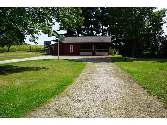 2728 Hartville Rd, Rootstown, OH - USA (photo 4)