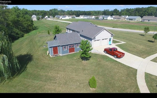 276 Nathan Drive, Clyde, OH - USA (photo 2)