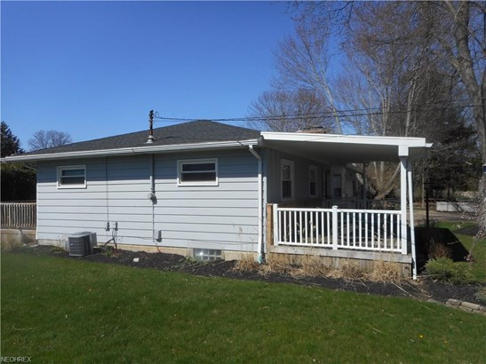 24313 Lantern Dr, Olmsted Falls, OH - USA (photo 3)