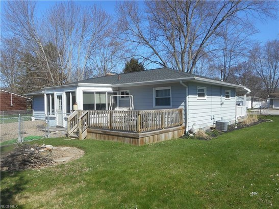 24313 Lantern Dr, Olmsted Falls, OH - USA (photo 4)