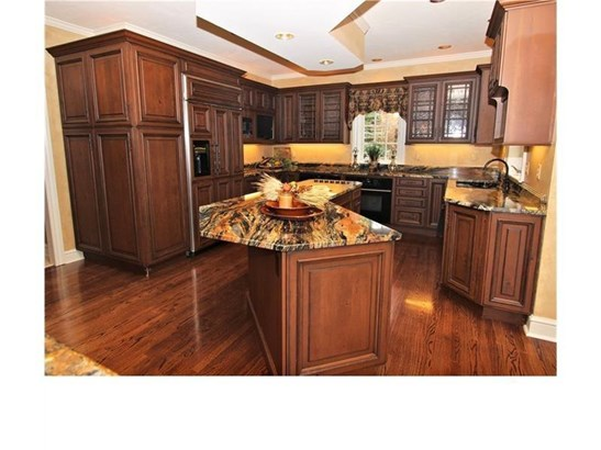 2075 Saint Andrews Dr, Collier Twp, PA - USA (photo 4)