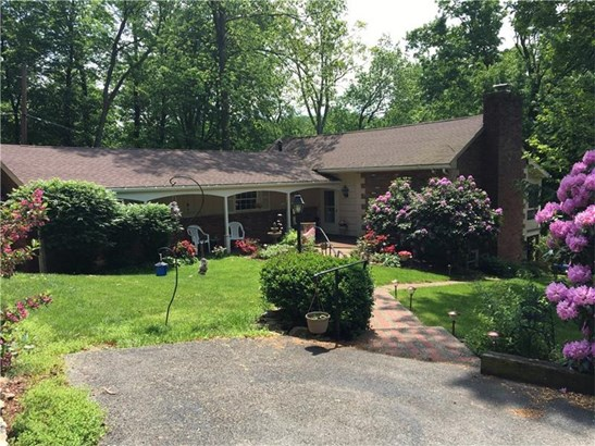 18 Holly Drive, Hempfield, PA - USA (photo 1)