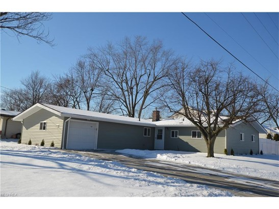 9092 N Plaza Dr, Northfield Village, OH - USA (photo 1)