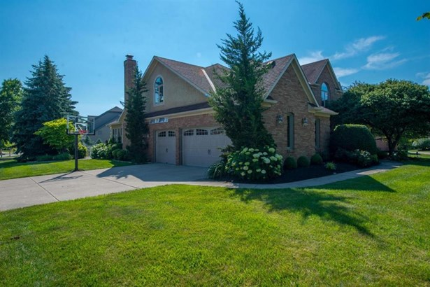 7090 Bluffpoint Court, Columbus, OH - USA (photo 5)
