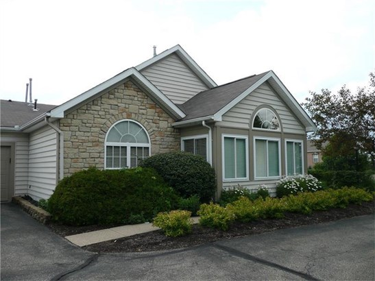 1705 Heather Heights Dr 1705, Crescent, PA - USA (photo 2)