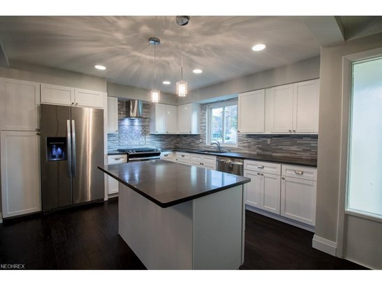 6555 Vallevista Dr, Mayfield Heights, OH - USA (photo 5)