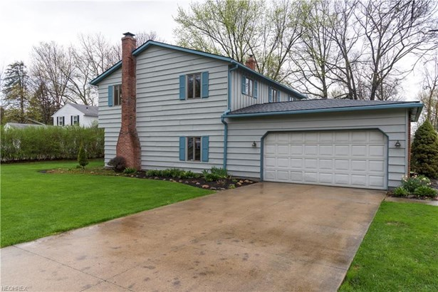 6194 Paisley Dr, North Olmsted, OH - USA (photo 2)