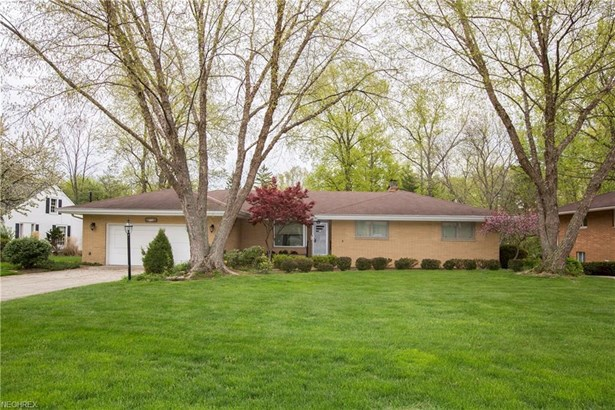 4129 W Valley Dr, Fairview Park, OH - USA (photo 1)