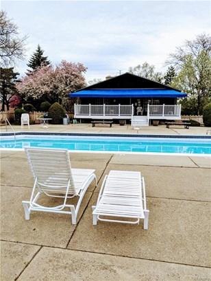 2375 Mulberry Sq 69, Bloomfield Township, MI - USA (photo 2)