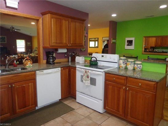 21625 Riviera Dr, Fairview Park, OH - USA (photo 2)
