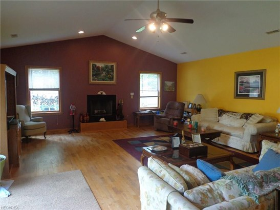 21625 Riviera Dr, Fairview Park, OH - USA (photo 5)