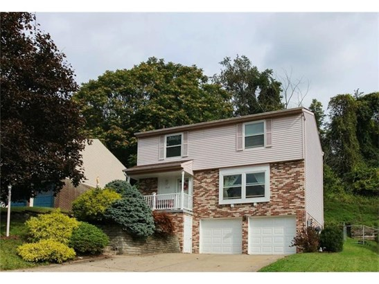 6572 Quaker Dr, South Park, PA - USA (photo 1)