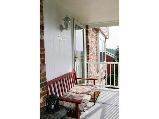 6572 Quaker Dr, South Park, PA - USA (photo 2)