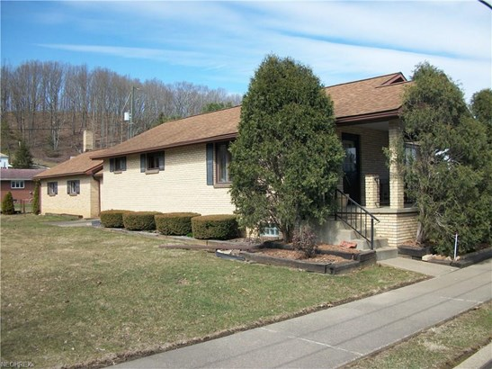 322 Packer St, Uhrichsville, OH - USA (photo 1)