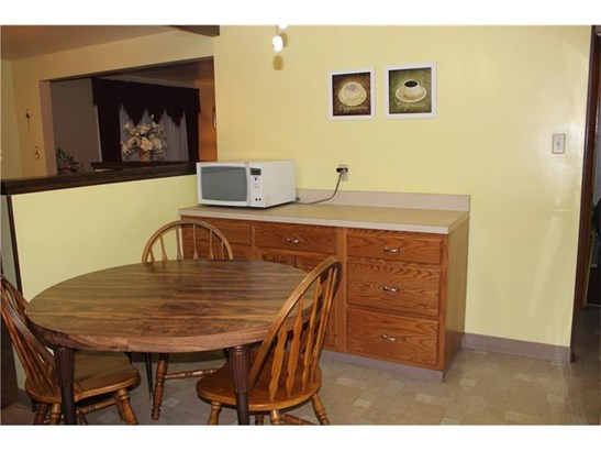 4000 Lyndell Court, Castle Shannon, PA - USA (photo 4)