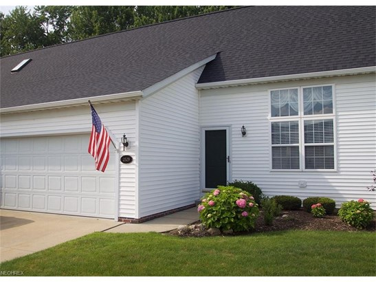 2529 Clearwater Ln 22, Painesville, OH - USA (photo 1)