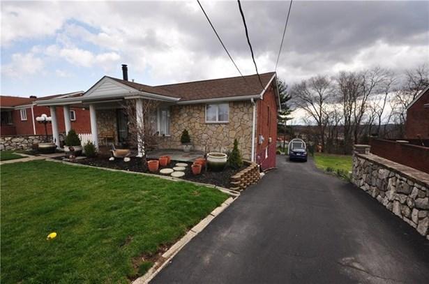 205 Lebanon Manor Drive, West Mifflin, PA - USA (photo 1)