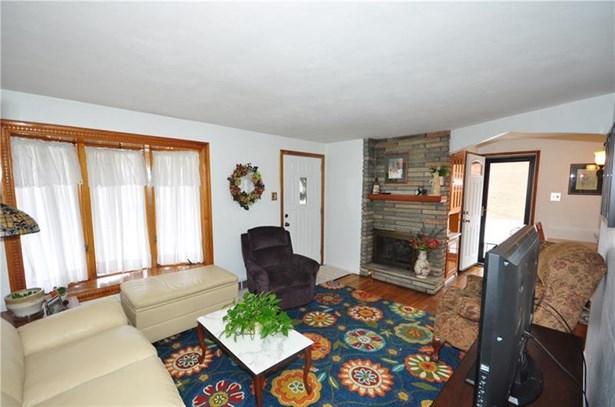 205 Lebanon Manor Drive, West Mifflin, PA - USA (photo 4)