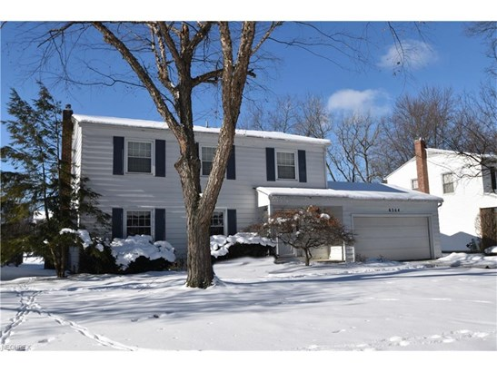 6364 Stafford Dr, North Olmsted, OH - USA (photo 1)