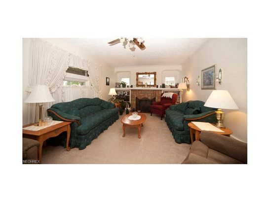 16505 Elsienna Ave, Cleveland, OH - USA (photo 4)