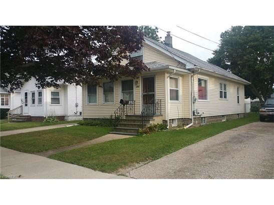242 Orchard St, Fairport Harbor, OH - USA (photo 3)