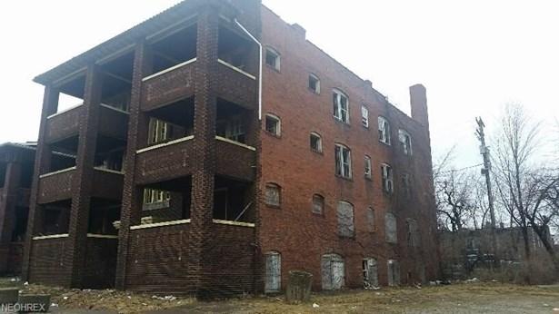 1816 Van Buren Rd, East Cleveland, OH - USA (photo 2)