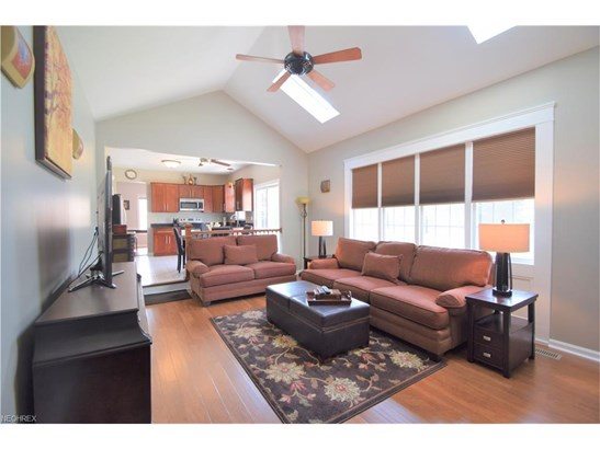 27065 Glenside Ln, Olmsted Township, OH - USA (photo 4)