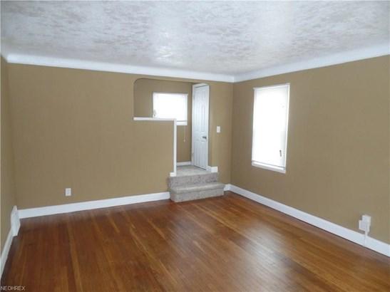 13417 Grannis Rd, Garfield Heights, OH - USA (photo 5)