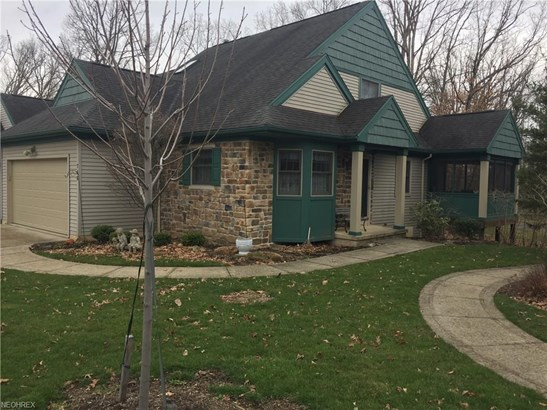 766 Hampton Ct, Sagamore Hills, OH - USA (photo 1)