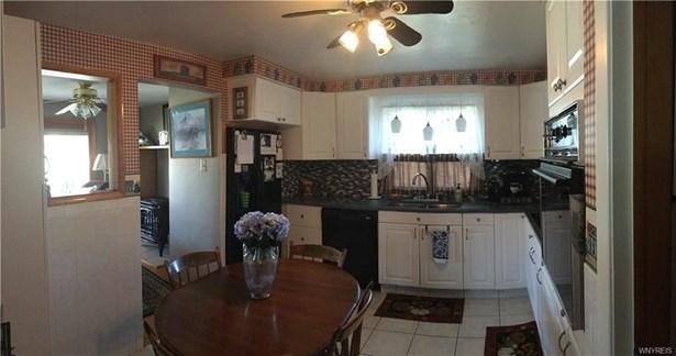 2582 Eggert Rd / Maplegrove, Tonawanda, NY - USA (photo 4)