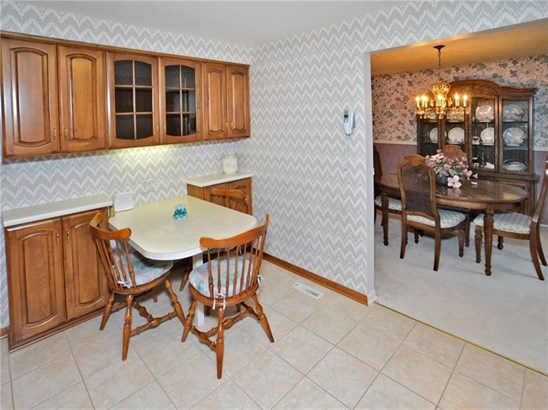 206 Meadow Dr, Level Green, PA - USA (photo 4)