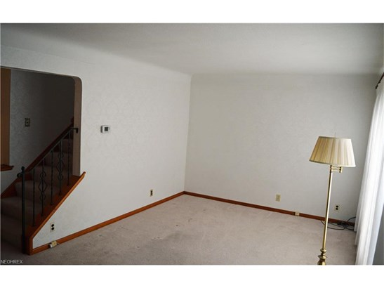 384 E 310th St, Willowick, OH - USA (photo 3)