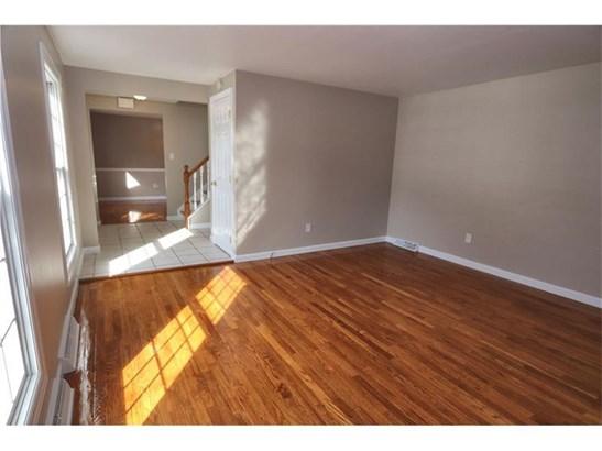 591 Clifton Rd, Bethel Park, PA - USA (photo 4)