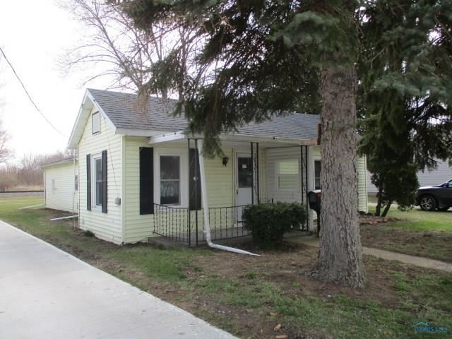 410 Ames Street, Clyde, OH - USA (photo 2)