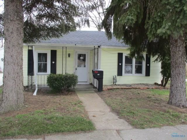 410 Ames Street, Clyde, OH - USA (photo 3)