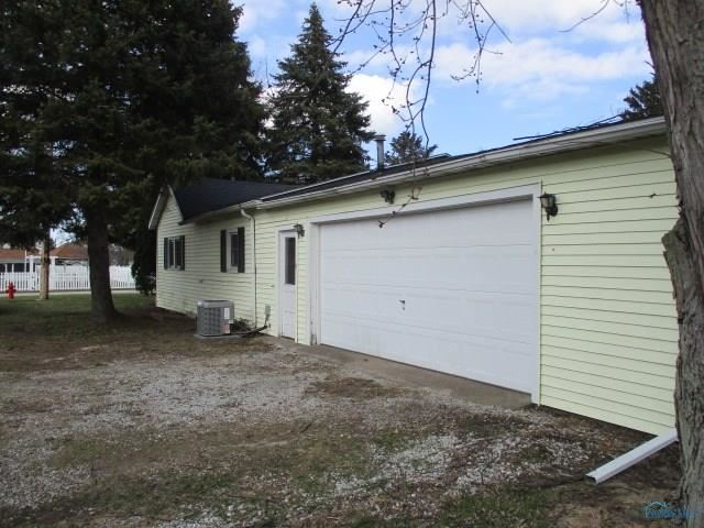 410 Ames Street, Clyde, OH - USA (photo 4)