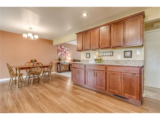 1232 Golden Gate Blvd, Mayfield Heights, OH - USA (photo 4)