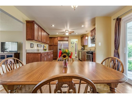 1232 Golden Gate Blvd, Mayfield Heights, OH - USA (photo 5)