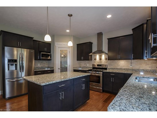8034 Forest Valley Ln, Concord, OH - USA (photo 5)