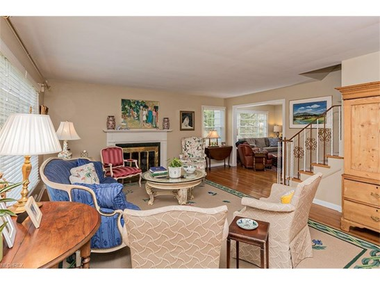 1355 Inglewood Dr, Cleveland Heights, OH - USA (photo 5)