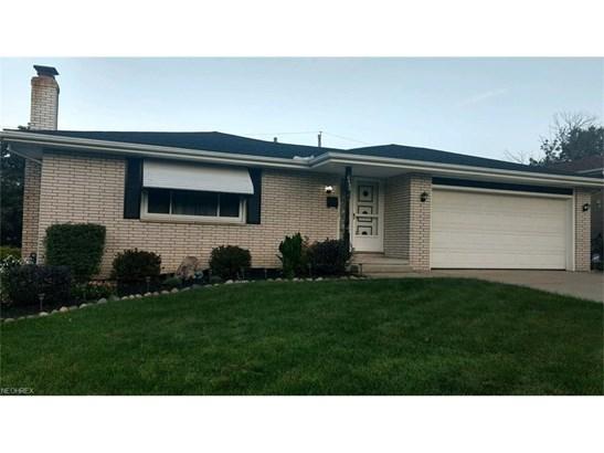 6452 Farmington Dr, Garfield Heights, OH - USA (photo 1)