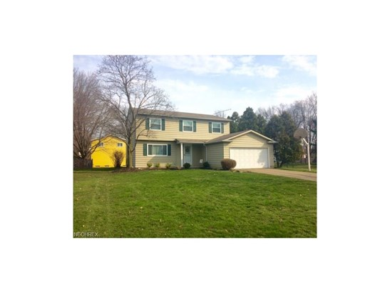 25946 Byron Dr, North Olmsted, OH - USA (photo 2)