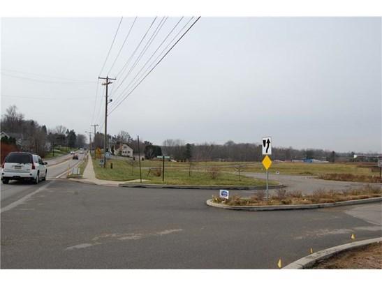 220 Grove City Road, Slippery Rock, PA - USA (photo 5)