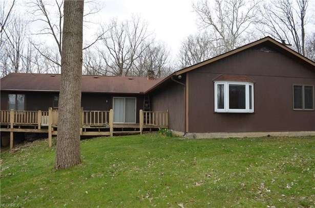 9285 Lindbergh Blvd, Olmsted Falls, OH - USA (photo 5)