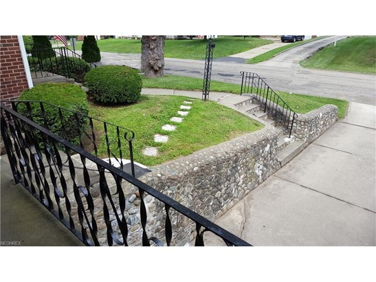 1116 Spangler Ne Rd, Canton, OH - USA (photo 3)