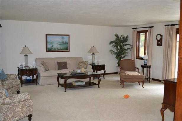 62 Airport Road, Finleyville, PA - USA (photo 4)