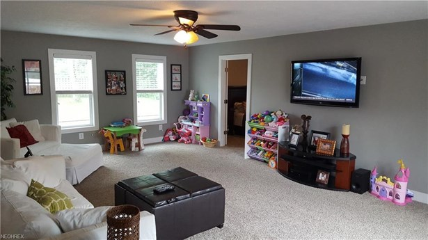 17868 Ash Dr, Strongsville, OH - USA (photo 4)