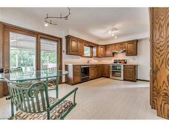 5767 Wilson Mills Rd, Highland Heights, OH - USA (photo 4)